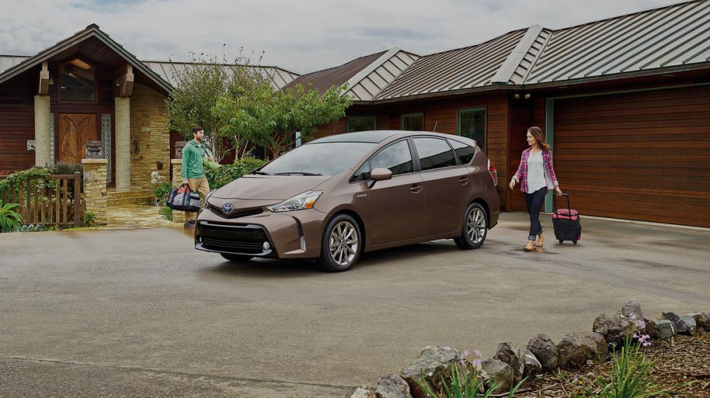2016 Toyota Prius v exterior