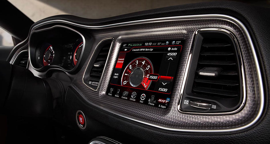 2015-Dodge-Challenger-Technology