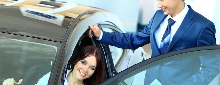 woman-buying-a-car