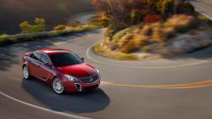 2016 Buick Regal turning
