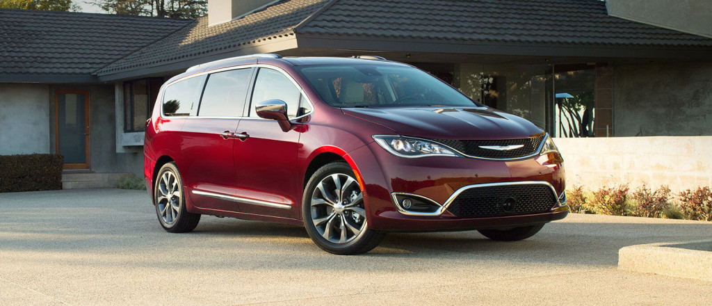 2017 Chrysler Pacifica main