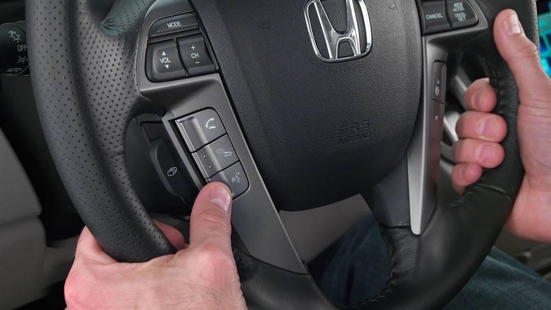 2017 Honda Odyssey bluetooth steering wheel buttons