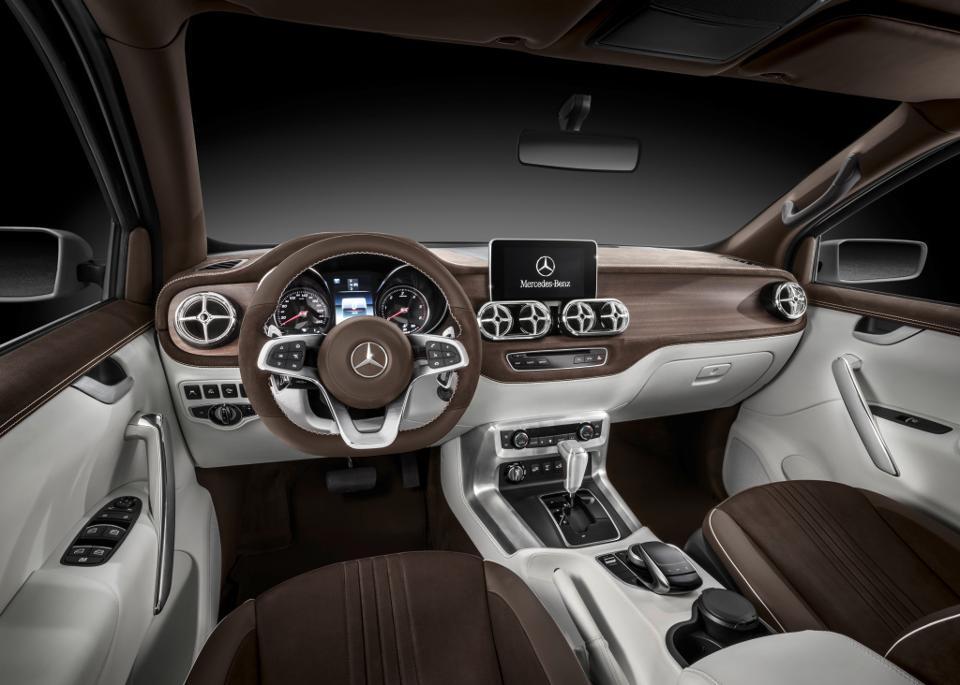 Mercedes-X-class-interior