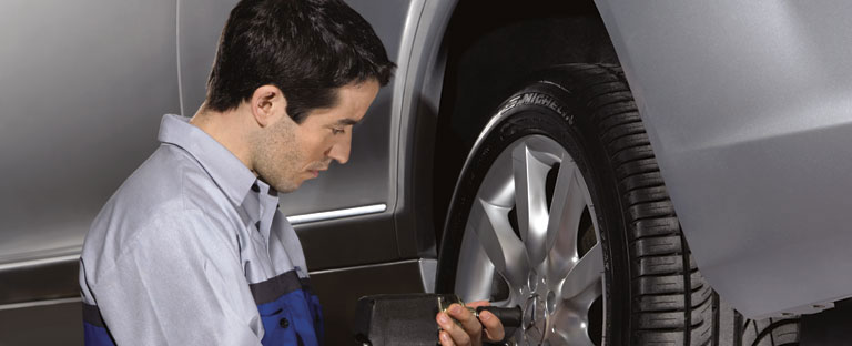 Mercedes benz tire repair for chicagoland drivers for Mercedes benz chicago service