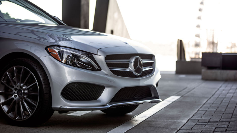 Exciting features available on the 2016 mercedes benz c300 for Fletcher mercedes benz