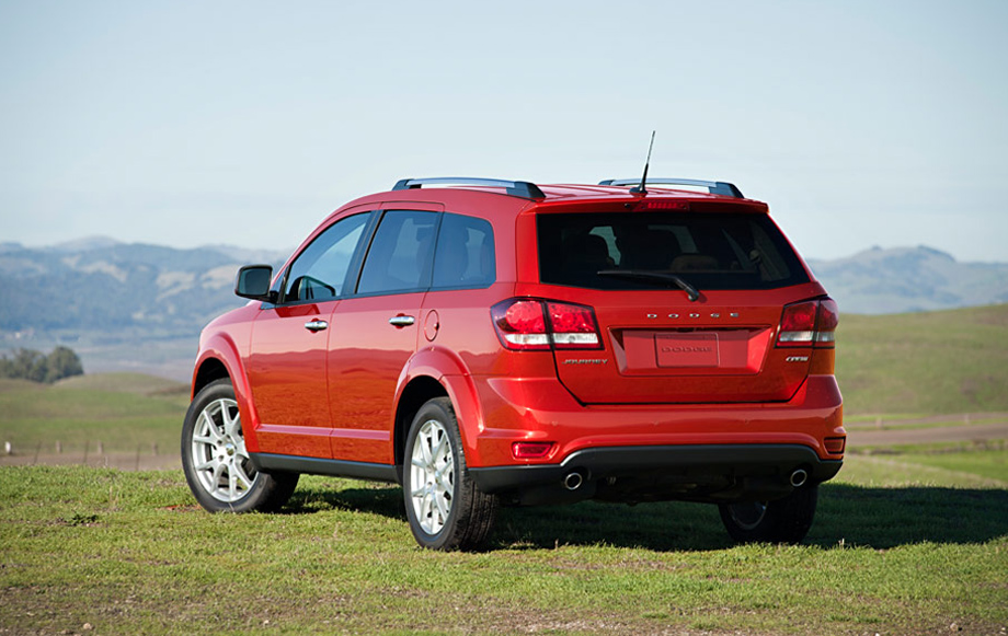 Dodge Dealership Saskatoon >> 2013 Dodge Journey vs. 2013 Chevy Equinox | Knight Dodge