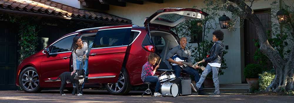 2017 Chrysler Pacifica Jamming Family