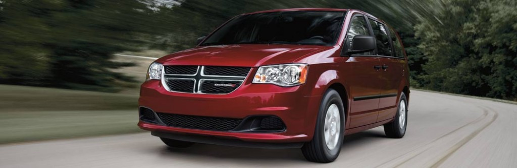 2015 dodge grand caravan vs 2015 toyota sienna knight weyburn. Black Bedroom Furniture Sets. Home Design Ideas