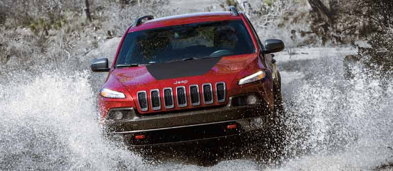 2016 Jeep Cherokee in action