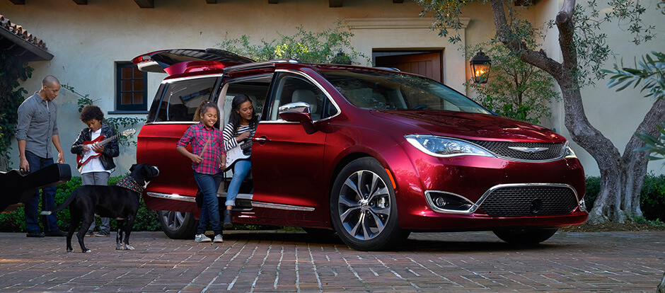 2017 Chrysler Pacifica red exterior model