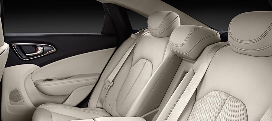 2016 Chrysler 200 back interior seating