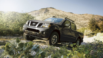 2016 Nissan Frontier mountains