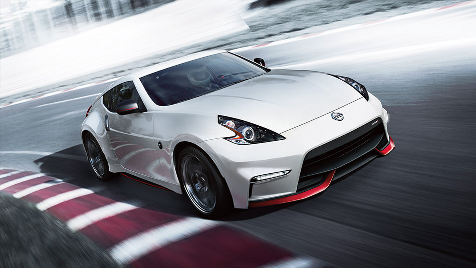 2017 Nissan 370Z driving