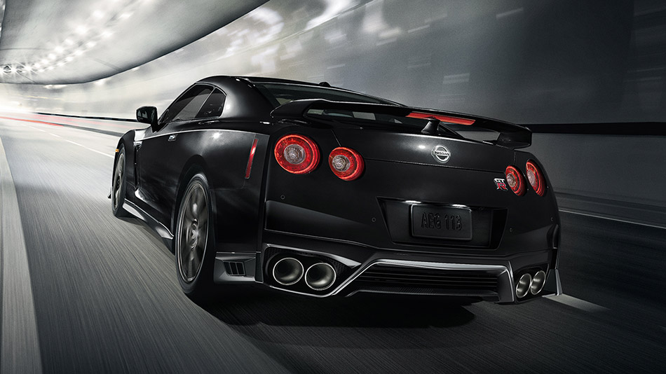 2017 Nissan GT-R black