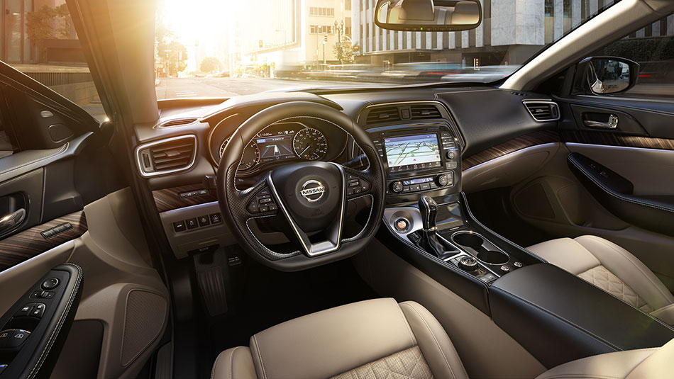 2017 Nissan Maxima dash