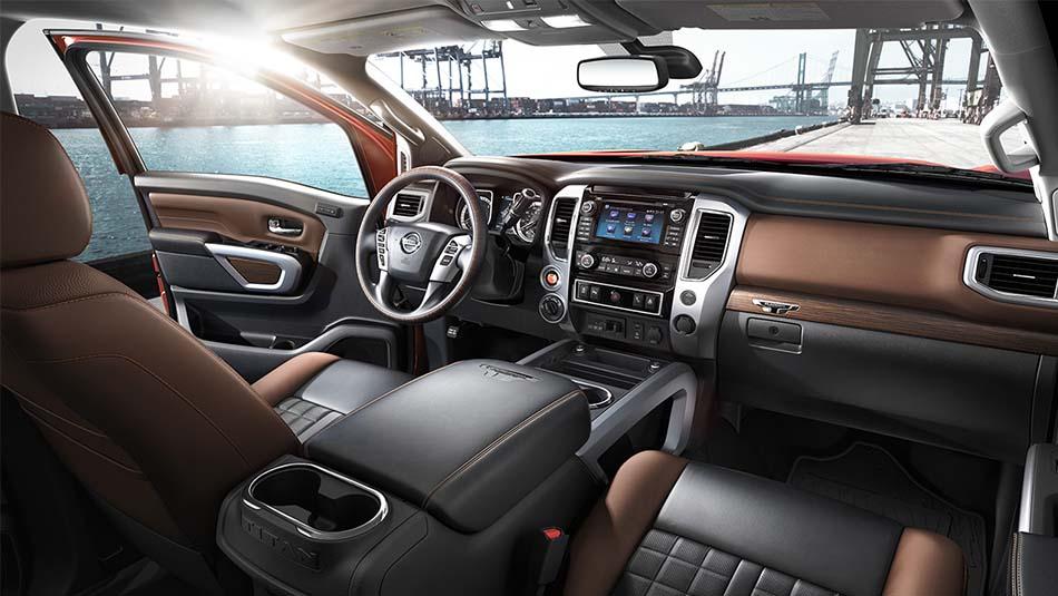 2017 Nissan Titan Seats