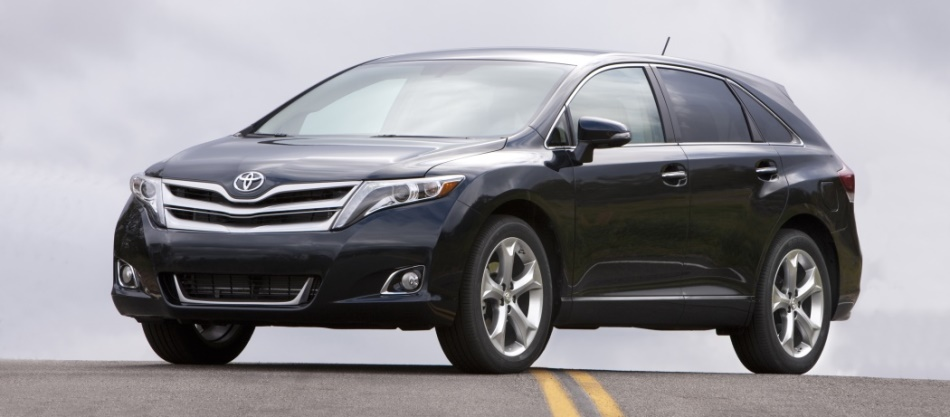 2014 venza side view on the road