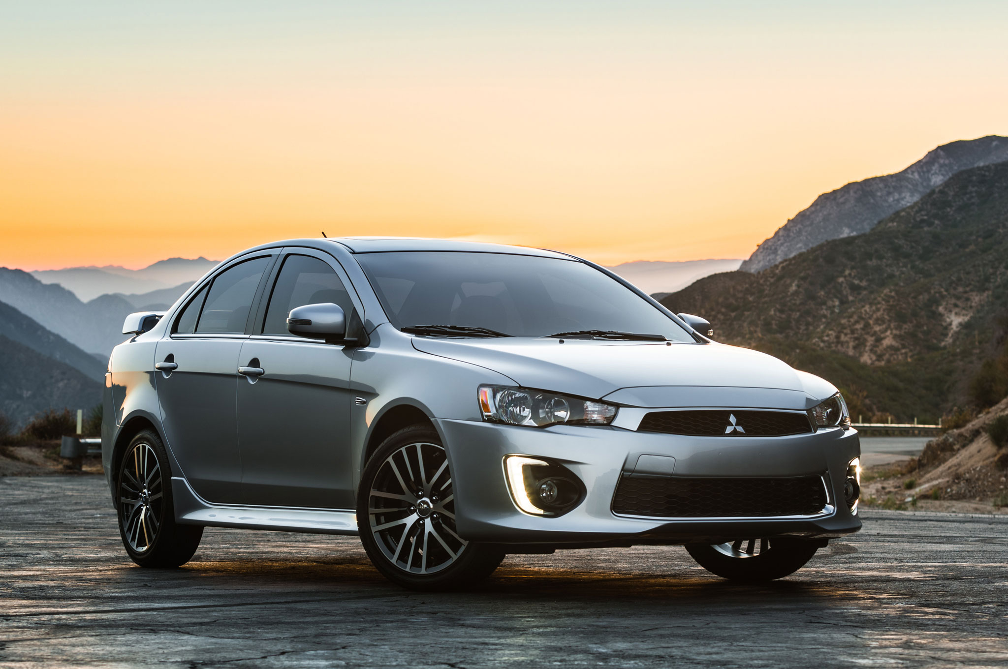 2016-Mitsubishi-Lancer-GT-front-three-quarter-04