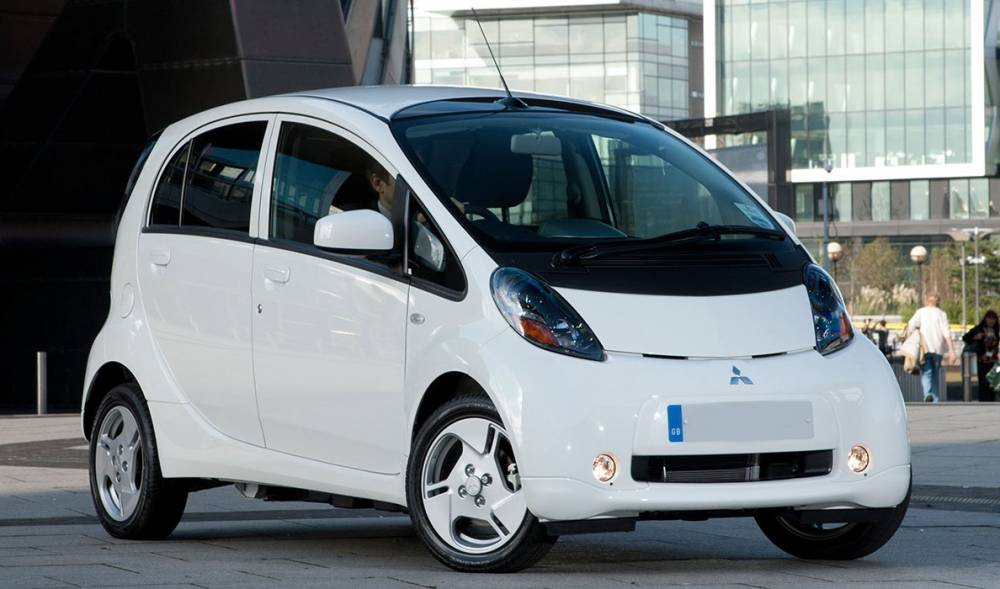 2017-Mitsubishi-i-MiEV-Review