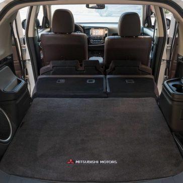 2018 Mitsubishi Outlander PHEV trunk
