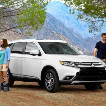 Family Around Mitsubishi Outlander 2018