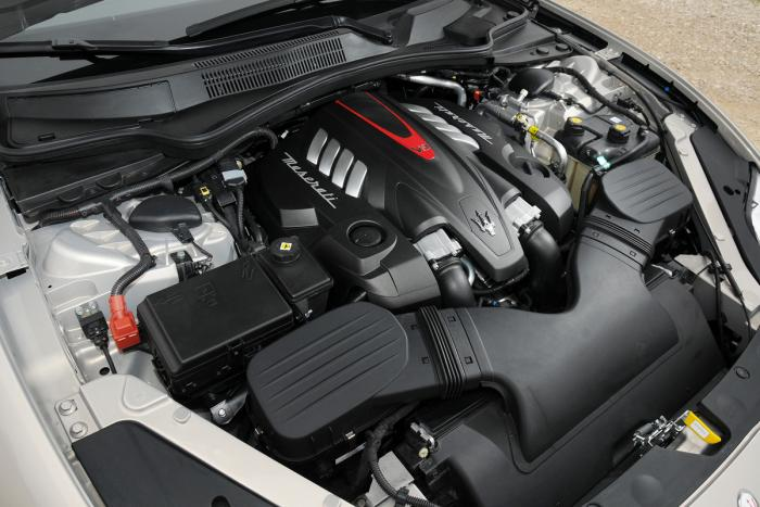 2015-Maserati-Quattroporte-Engine-Photo