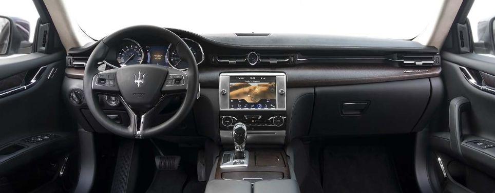 2016 Maserati Quattroporte interior