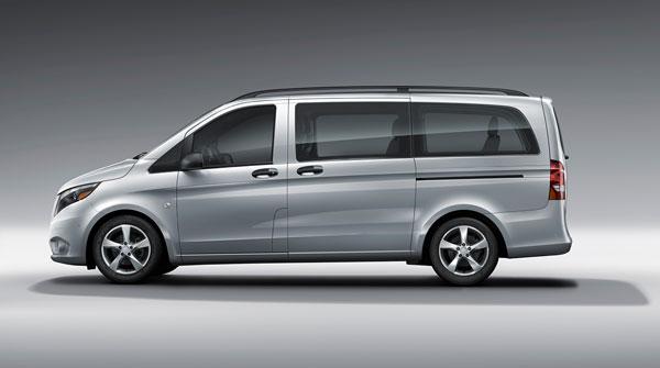 Customize your 2016 mercedes benz metris passenger van for Mercedes benz metris towing capacity