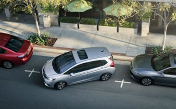 2015 Honda Fit parking