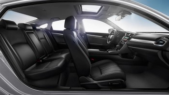 2016 Honda Civic interior seats
