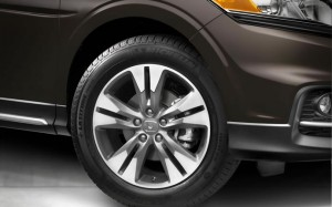2015-Crosstour-Wheel-Closeup