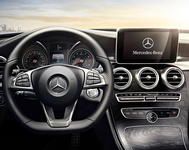 2016 Mercedes-Benz C300 vs 2016 BMW 328i Technology