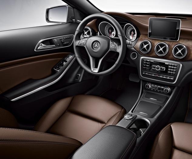2016 Mercedes-Benz GLA250 vs 2016 Volkswagen Tiguan Interior