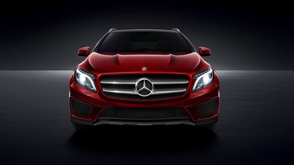 2016 Mercedes-Benz GLA250 vs 2016 Volkswagen Tiguan: Perf