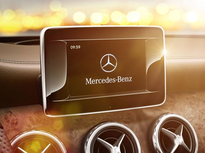 2016 Mercedes-Benz GLA250 vs 2016 Volkswagen Tiguan: Tech