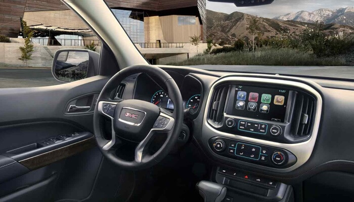 2017 GMC Canyon available technology features