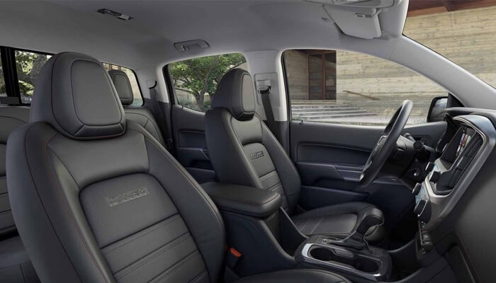 2017 GMC Canyon front interior seating
