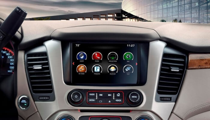 2017 GMC Yukon Denali technology features