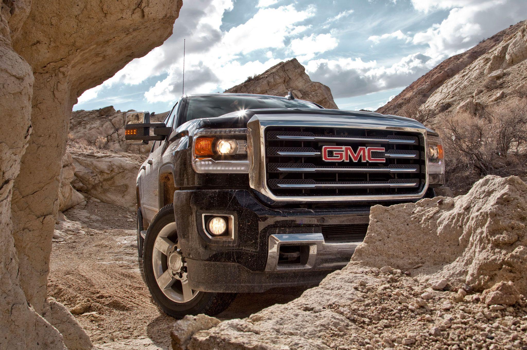 2015-gmc-sierra-2500-offroad-rocks