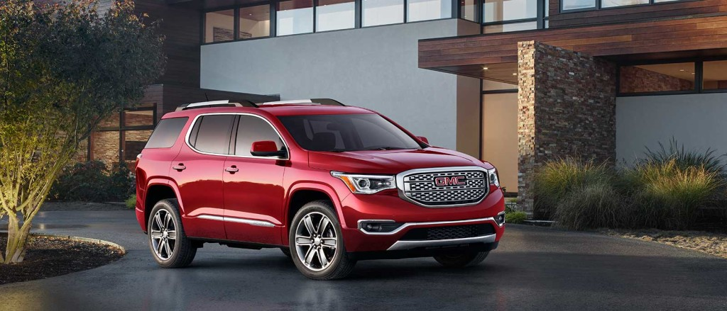 2017 GMC Acadia in driveway