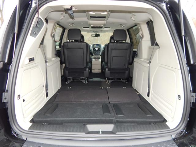 2016 chrysler town and country kayla 39 s pick of the week. Black Bedroom Furniture Sets. Home Design Ideas