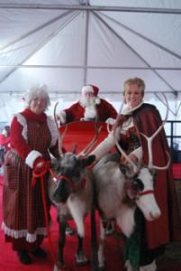 110909santa-elf-reindeer